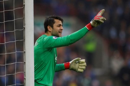 West Ham continue defensive rebuild with Fabianski signing