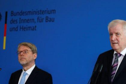 Most Germans doubt Merkel will get European immigration deal - poll