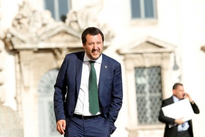 Fisco, Salvini: chiudere cartelle Equitalia sotto 100.000 euro