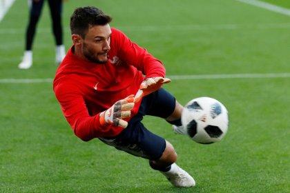 Skipper Lloris tells French team to soak up pressure and deliver
