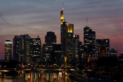 Zollstreit belastet Dax - Daimler brechen nach Gewinnwarnung ein