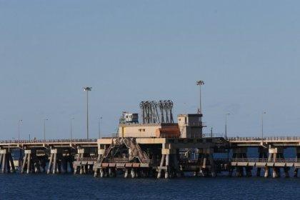 متحدث: قوات شرق ليبيا تسيطر على مرفأ رأس لانوف بالكامل