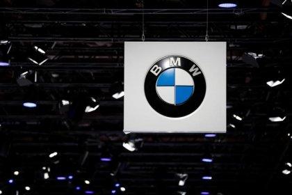 BMW prüft nach Daimler-Gewinnwarnung strategische Optionen