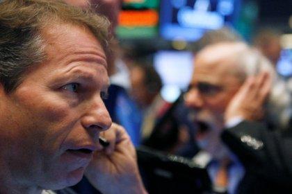 Ouverture prudente à Wall Street, le pétrole baisse