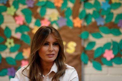 Trump directs U.S. agencies to reunite families at border; Melania visits region