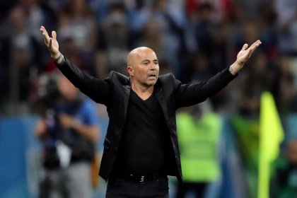 Sampaoli strife deepens misery for Argentine coaches at World Cup