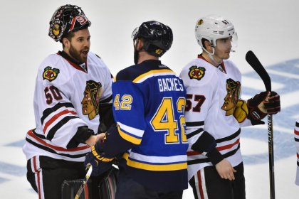 NHL notebook: Blackhawks' Crawford should be ready for season, GM says
