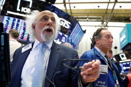 Индексы S&P и Dow выросли за счет энергосектора, банковских акций
