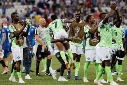 Relutante mudança tática rende frutos para Nigéria