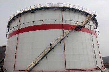 China May gasoline exports up 134 percent at 1.47 million tonnes: customs