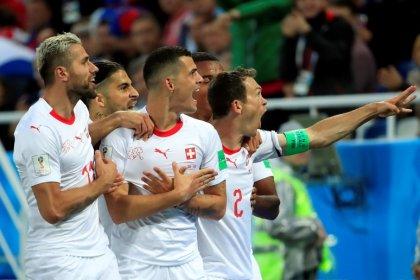 Suíços aplaudem vitória sobre a Sérvia, mas criticam comemorações de gols