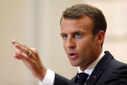 """Italia dice que """"arrogante"""" Francia se arriesga a ser """"enemigo número 1"""" sobre inmigración"""