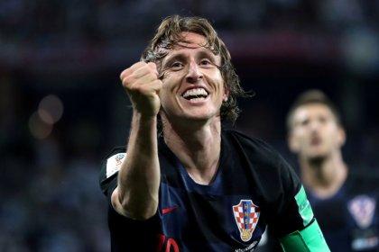 Modric poderia ganhar Bola de Ouro se fosse espanhol ou alemão, diz zagueiro croata