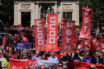 Patronal y sindicatos, en preacuerdo para subir salarios hasta 3% en próximos tres años