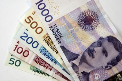 Swedish, Norwegian crowns seen strengthening against euro, dollar: Reuters poll