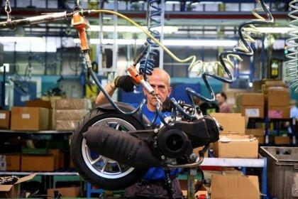Italia, produzione rimbalza a maggio, ma rischio trim2 fermo
