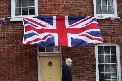 Einwanderung aus EU nach Großbritannien auf Fünf-Jahrestief