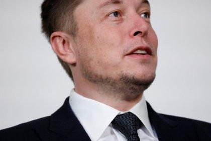 Las acciones de Tesla caen tras los insultos del consejero delegado Musk a un buzo británico