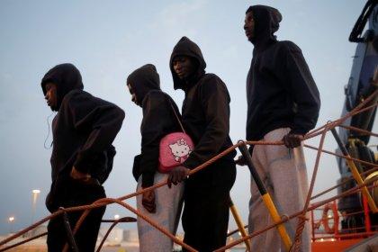 منظمة خيرية: وفاة مهاجرين تركهما خفر السواحل الليبي في قارب