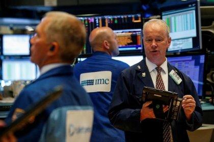 Индекс S&P 500 держится у максимума 5 месяцев; капитализация Amazon достигла $900 млрд