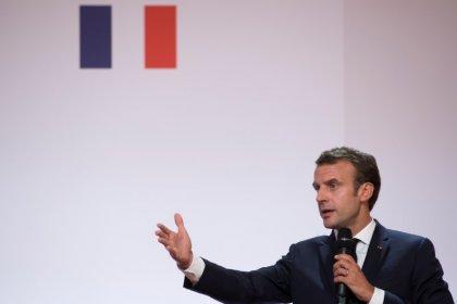 Críticas a Macron después de que un colaborador suyo golpeara a un manifestante