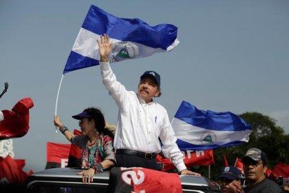Ortega pide a los manifestantes que rectifiquen en aniversario sandinista