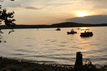 Al menos 8 personas mueren por el hundimiento de un vehículo anfibio en el lago de Misuri