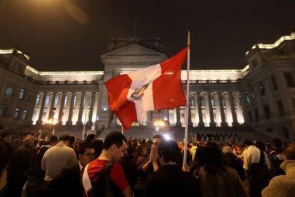 La crisis judicial en Perú se intensifica con protestas contra la corrupción y dimisiones de jueces