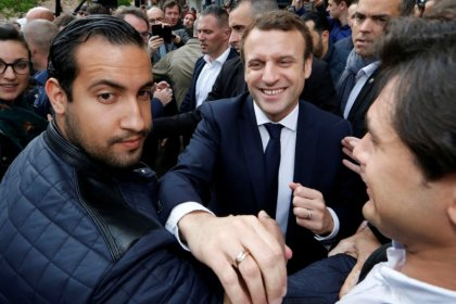 Macron to fire bodyguard caught on camera beating protester: Elysee