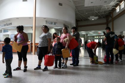 At Texas border, joy and chaos as U.S. reunites migrant families