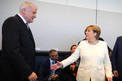 """Merkel ruft Union nach Asylstreit zur Ordnung - """"Schroffer Ton"""""""