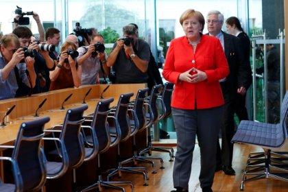 Merkel begrüßt Einladung Trumps an Putin