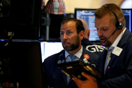 S&P 500, Dow end lower with energy, financials; Tesla falls