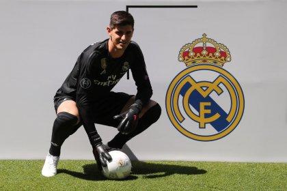 """Courtois dice que rechazó """"mejores ofertas"""" para unirse al Real Madrid"""