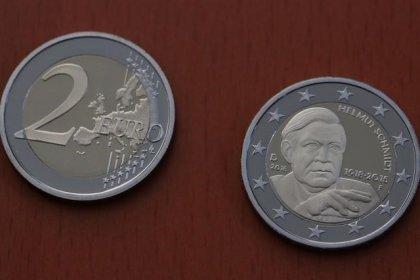 El euro cae al llevar la crisis turca a los inversores al yen y franco suizo