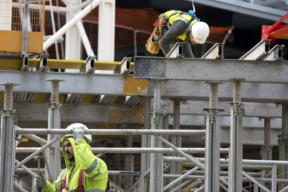 UK jobless rate falls to new 43-year-low, but pay growth weakens