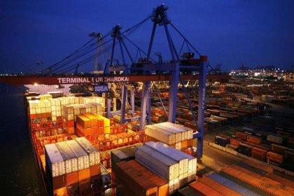 Euro zone beats slowdown expectations but industry brakes