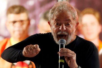 """Em artigo no NYT, Lula diz ser vítima de """"golpe de direita"""" para impedi-lo de vencer eleição"""