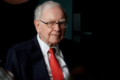 Berkshire boosts Goldman, Teva stakes; buys more Apple