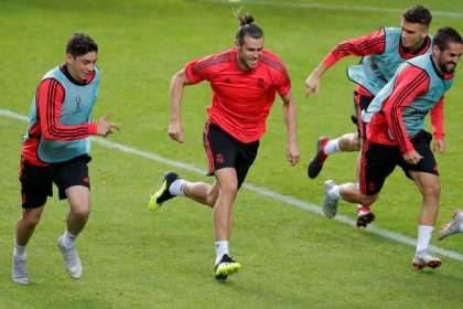 """Lopetegui alaba a Bale y espera un """"partido al límite"""" en Supercopa Europa ante Atlético"""