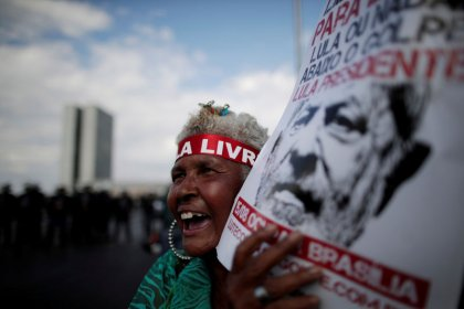 Lula, en la cárcel por corrupción, es inscrito como candidato presidencial en Brasil