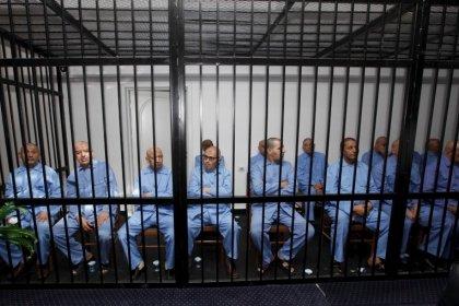 Corte Libia sentencia a muerte a 45 personas por asesinatos durante levantamiento 2011 contra Gaddafi