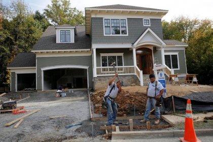 U.S. homebuilding slowing; labor market strong