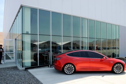 Whistleblower accuses Tesla of spying on employees at Gigafactory - attorney