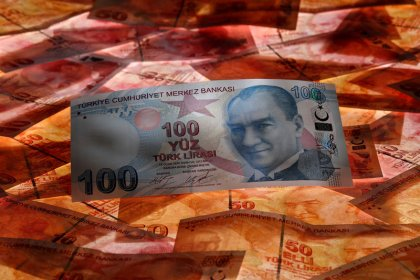 Turkey's lira weakens more than 6 percent on threat of more U.S. sanctions