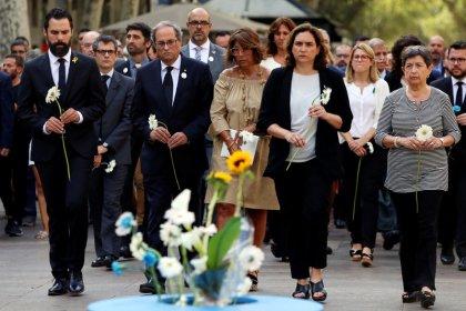 Barcelona rinde homenaje a las víctimas de los ataques un año después