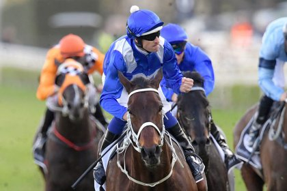 Horse racing: Winx beats Black Caviar's record with 26th straight win