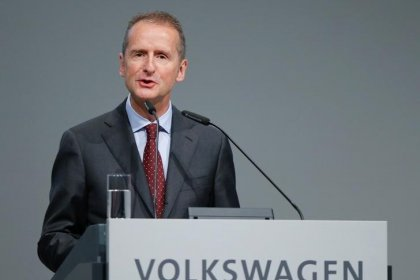 VW's CEO was told about emissions software months before scandal: Der Spiegel