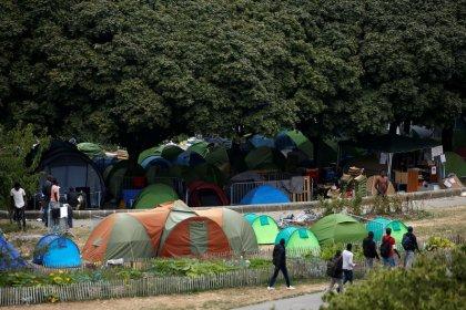 Migrants: Les recevoir, sinon payer, proposent Paris et Berlin
