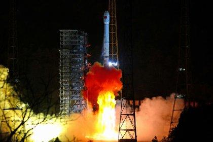 La Chine envoie une sonde explorer la face cachée de la Lune